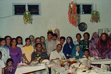 http://www.maldivesroyalfamily.com/Images/maldives_suvadive_afif_dinner.jpg